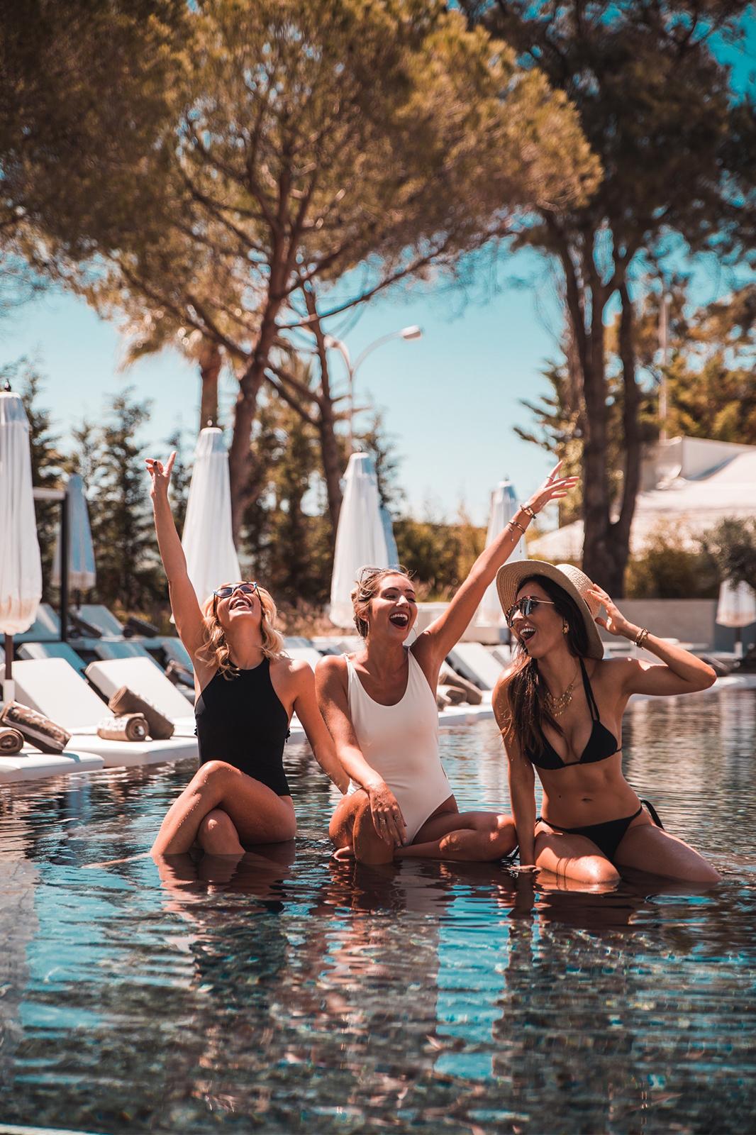 Eu, Carina e Mariana fizemos as malas e fomos até ao Algarve - Tivoli Marina