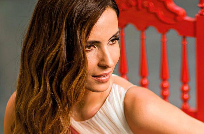A cantora e influencer brasileira revela o que faz dela uma mulher de bem com a vida.